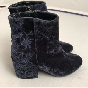 Kenneth Cole Renna blue velvet embroidered boots 8